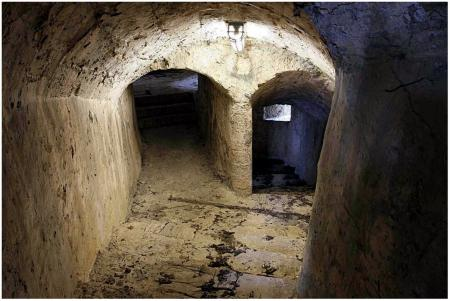 ai sotterranei..