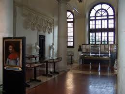 Biblioteca Mai -atrio